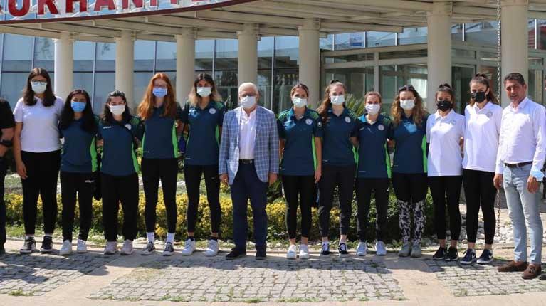 Burhaniye Belediyespor yeni transferleri ile sözleşme imzaladı