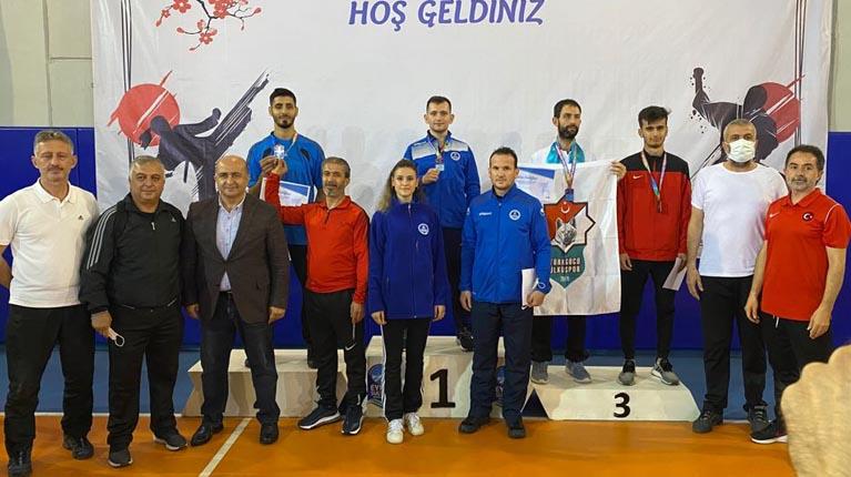 Kağıtsporlu karateciler Türkiye Şampiyonasından başarı ile döndü