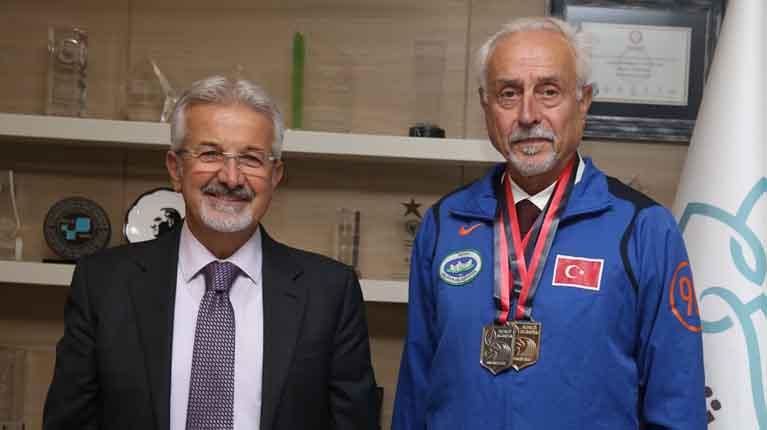 Başkan Erdem'den Murat Kaçar'a kutlama